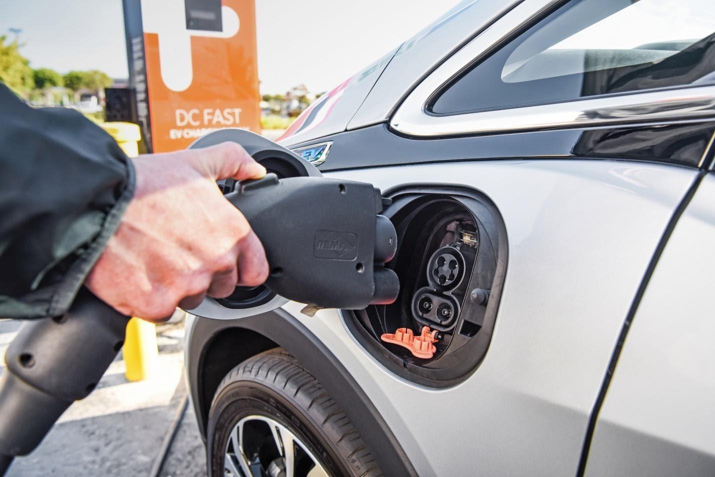 car filling image Tecnova